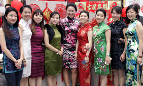 female mba students