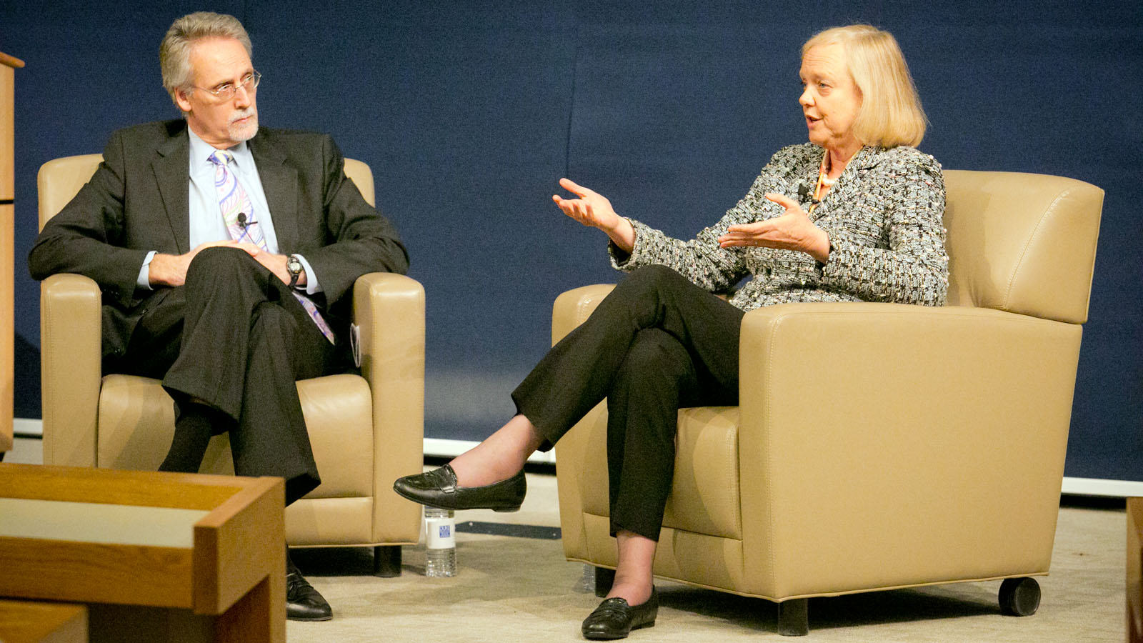 HP CEO Meg Whitman chatting with Duke Fuqua Dean Bill Boulding