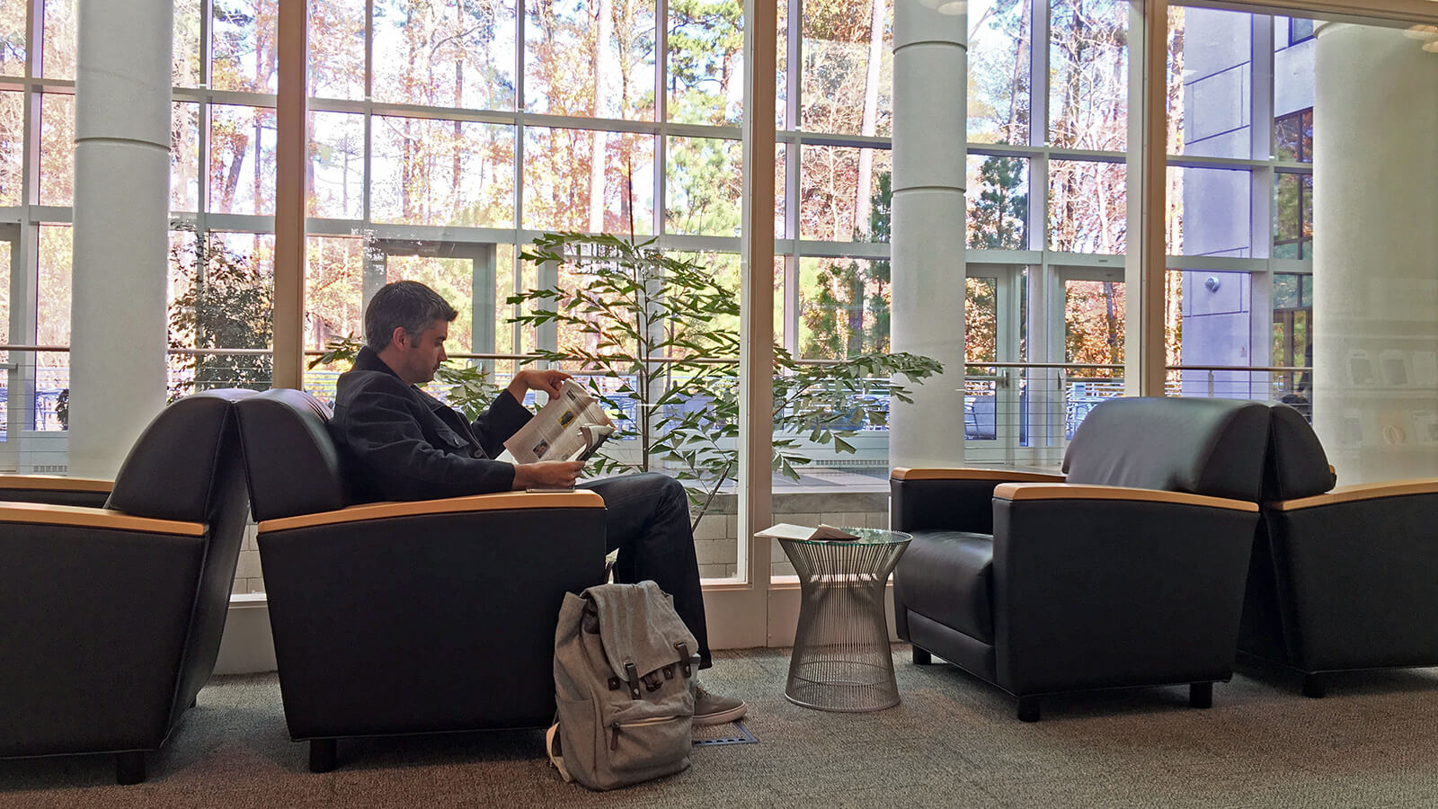 Catching up on your class reading in the Ford Library is made easy by the Fuqua class schedule