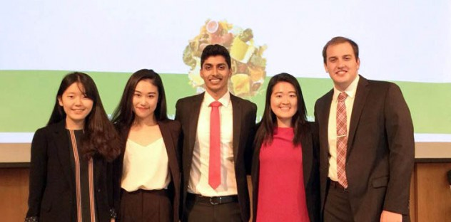 Soo Youn's five-person team for the consulting competition