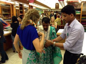 Duke Fuqua Cross Continent MBA students shopping in New Delhi